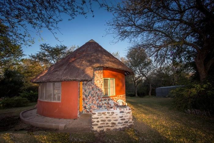 Krugertours - Amanzimlotzi Riverside Bush Camp :.